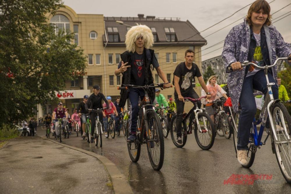 Десятки новосибирцев отправились в велопробег по главным магистралям города.