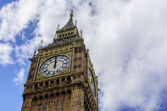 Английские полицейские рассматривают инцидент снаездом автомобиля встолице Англии как теракт