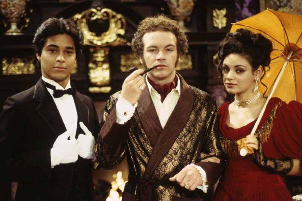 В 1998 году актриса прошла кастинг на роль избалованной молодой девушки Джеки Бурхарт в ситком «Шоу 70-х», участие в котором принесло ей множество наград и номинаций.