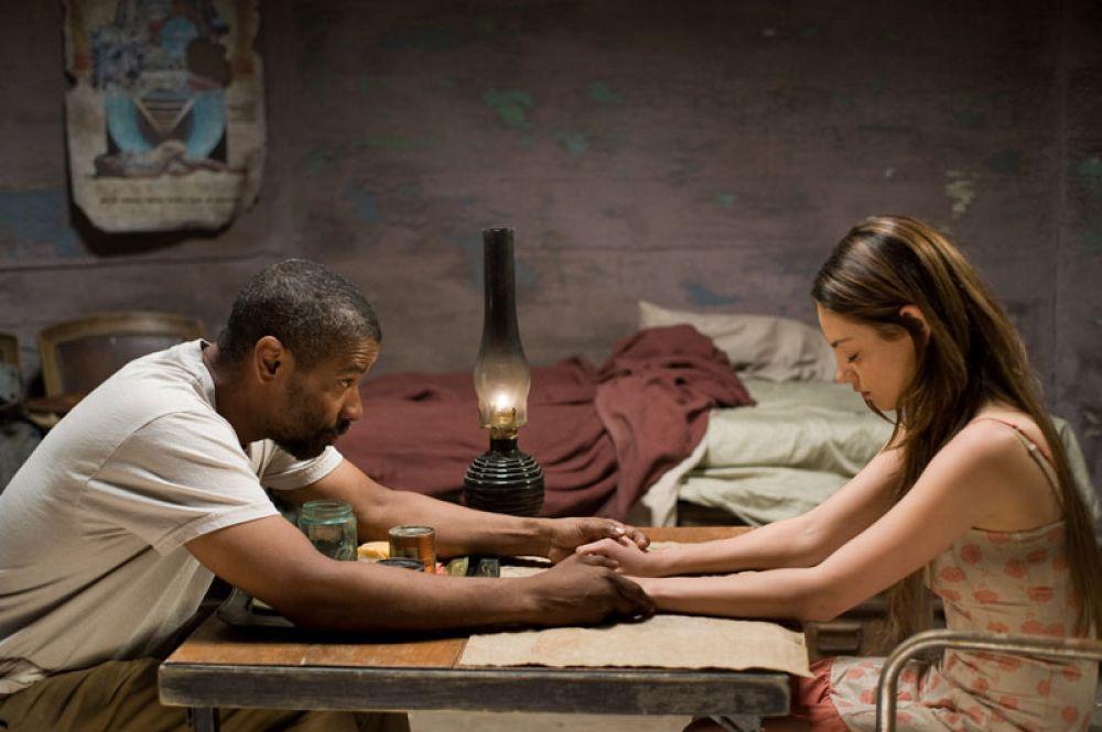 В начале 2010 года вышел постапокалиптический боевик «Книга Илая», где Кунис исполнила роль Солары, попутчицы главного героя. Ее партнерами по съемочной площадке стали Дензел Вашингтон и Гэри Олдмен.