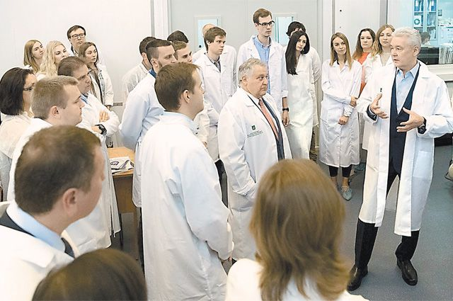 На встрече с Собяниным сотрудники института интересовались не только вложениями в науку, но и развитием всего столичного образования.