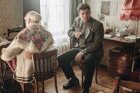 Андрей Мерзликин в роли Александра Вампилова в фильме «Облепиховое лето».