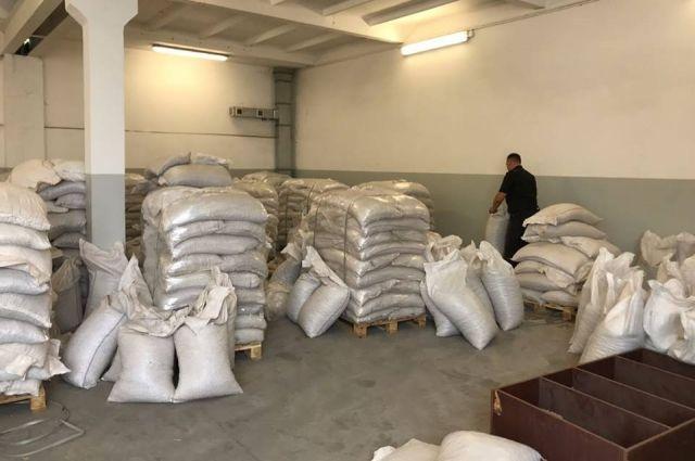 Таможенники изъяли самую большую партию контрабандного янтаря в Украине