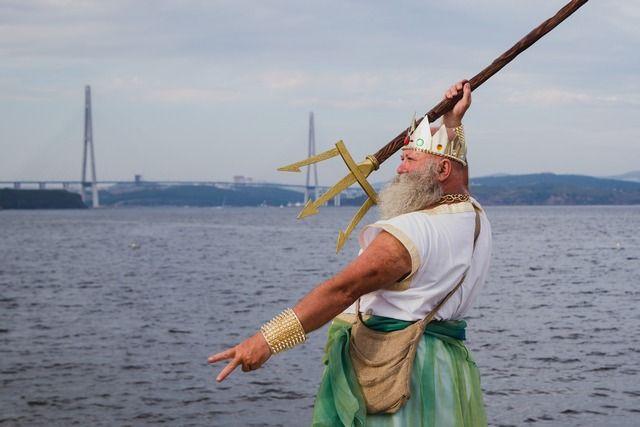 А у Нептуна спросили разрешения на сбор прибрежных сувениров?