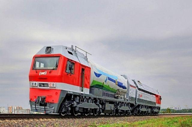 На Ямале испытали первый серийный локомотив, работающий на СПГ
