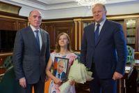 У Даши Пановой теперь есть портрет президента с автографом.