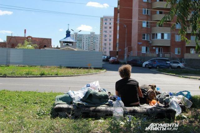 Светлана Суханова живёт у оживлённой автомагистрали.