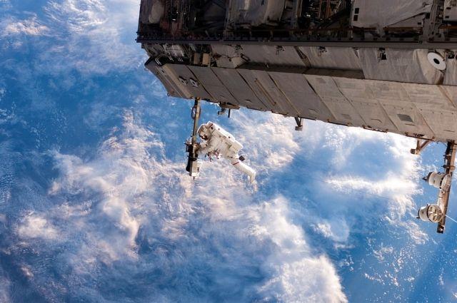 Российские космонавты завершили выход в открытый космос - Real estate