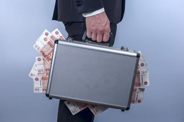 В соответствии с законом о противодействии коррупции - его нарушение влечёт за собой фактическое увольнение с занимаемой должности.