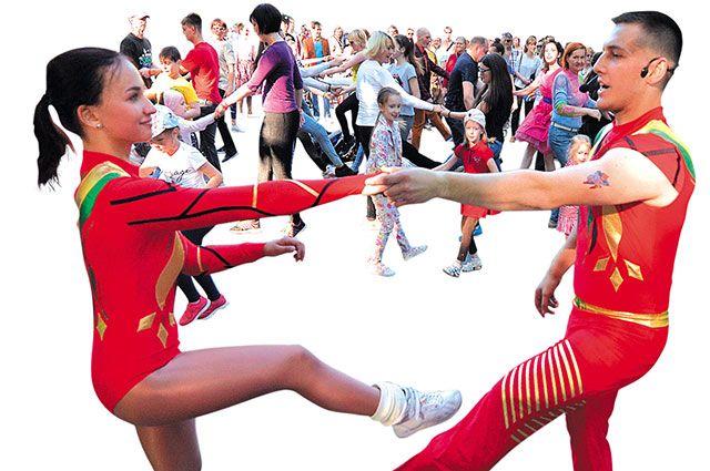 Не слушай скептиков — танцуй! Как освоить рок-н-ролл и буги-вуги в Москве