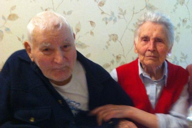 Супруги Евгений и Зинаида Труфановы познакомились 15 декабря 1947 года. В тот день Зинаида с подружками решила сделать фото на память. В фотоателье в то же самое время находился фронтовик Евгений
