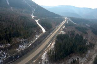 Автовладельцев просят максимально ограничить движение на участке автодороги.