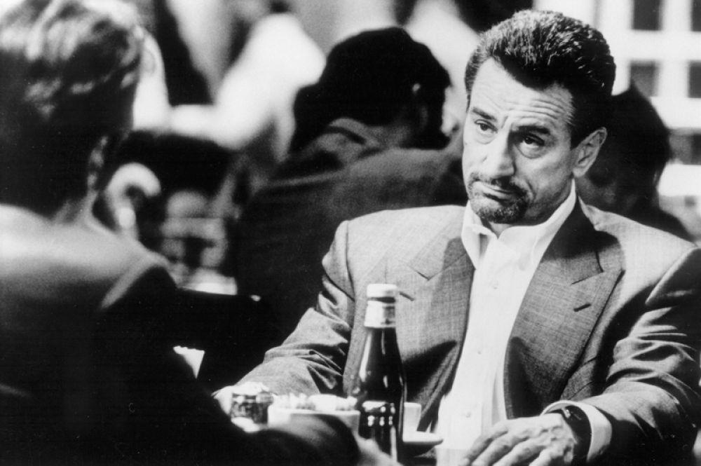 В 1995 году Роберт Де Ниро и Аль Пачино снимаются в фильме «Схватка».