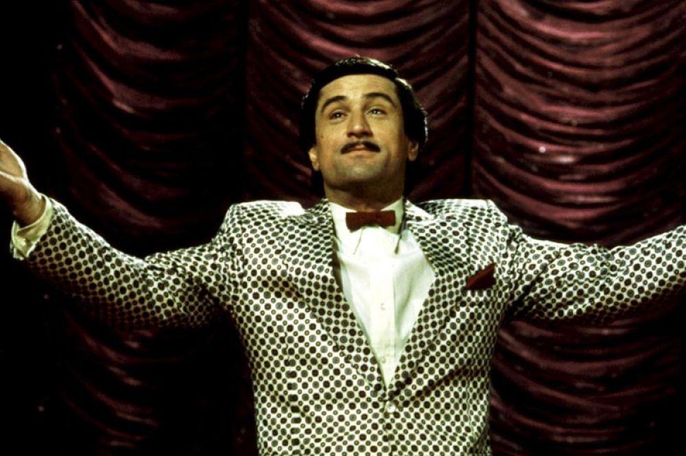 В драме с элементами черного юмора «Король комедии» (1983) Де Ниро сыграл неудачника, мечтающего прославиться в ток-шоу на телевидении.