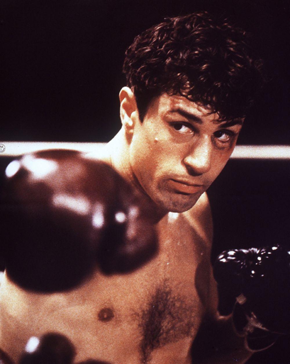 Работа Мартина Скорсезе «Бешеный бык» (1980), поставленная по мотивам воспоминаний боксера Джейка Ламотты, завоевала две премии «Оскар», а Де Ниро получил награду за лучшую мужскую роль.