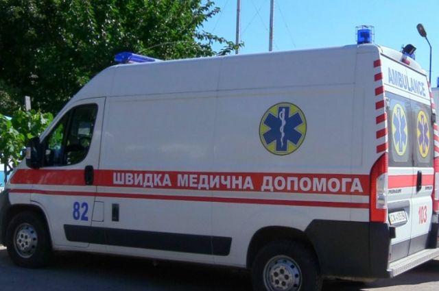 В Одесской области на мужчину упал автомобиль