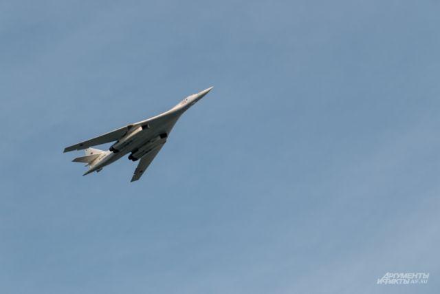 Российские Ту-160 выполнили беспосадочный перелет длиной более 8 тысяч км
