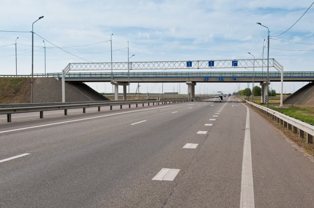 Точное время прохождения автопоезда назвать невозможно, так как каждые полчаса-час он будет останавливаться, чтобы с помощью реверсивного движения пропустить автотранспорт.