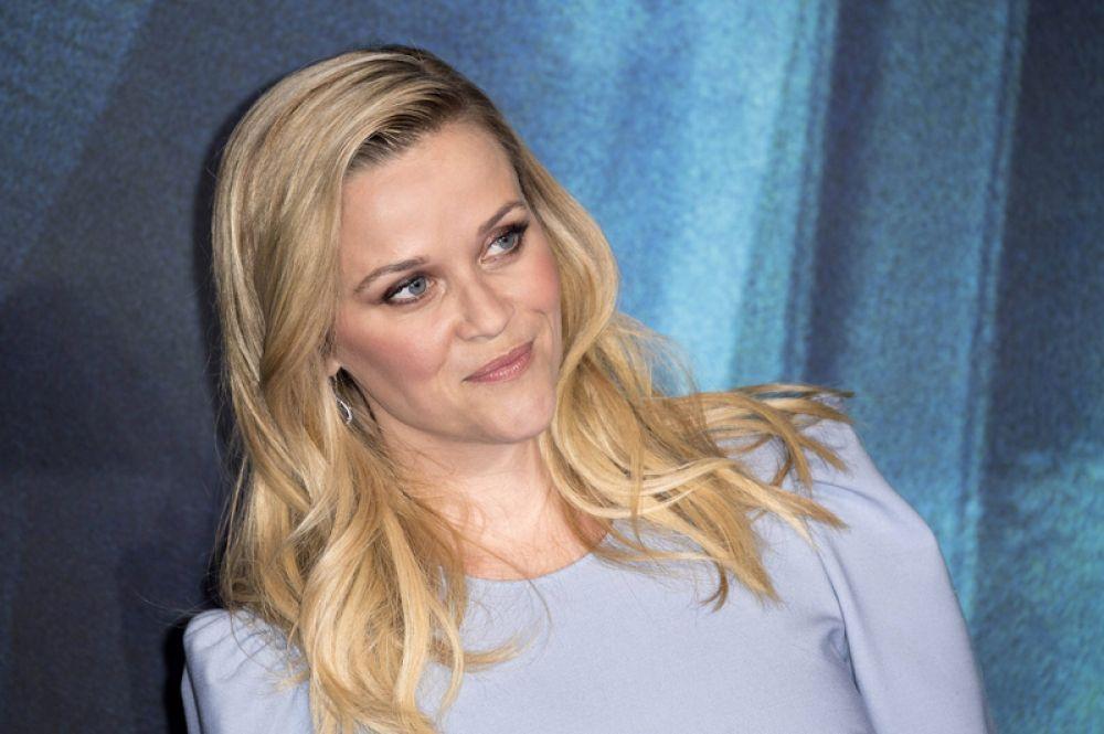 Риз Уизерспун, 5-е место, $16,5 млн. С большим кино у этой актрисы не все гладко: сказка «Излом времени» мужественно провалилась в прокате. Зато каждый эпизод нового сезона сериала «Большая маленькая ложь» принес ей по миллиону долларов, а в следующем году она вместе с Дженнифер Энистон будет сниматься еще и в высокобюджетном телепроекте для Apple.