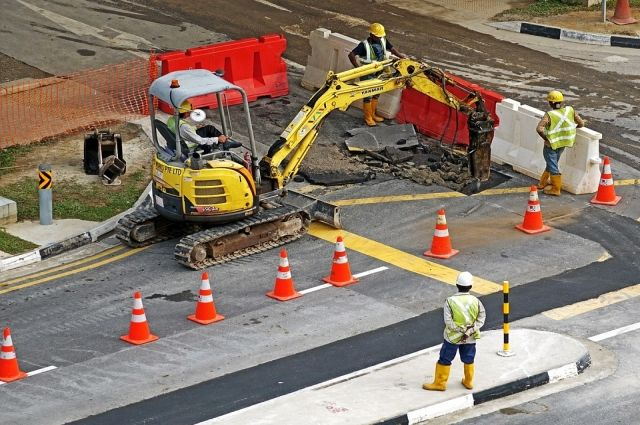 Автомобилисты говорят, что федеральные трассы ремонтируют лучше.