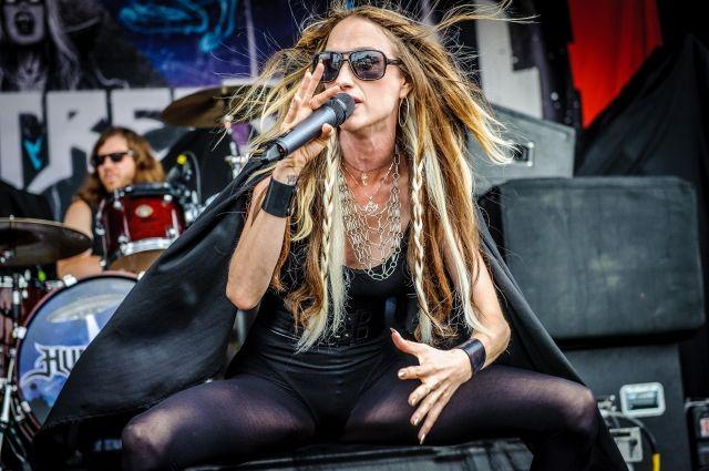 В США погибла 45-летняя вокалистка группы Huntress