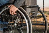 В Салехарде инвалид с седьмого этажа четыре месяца просил починить лифт