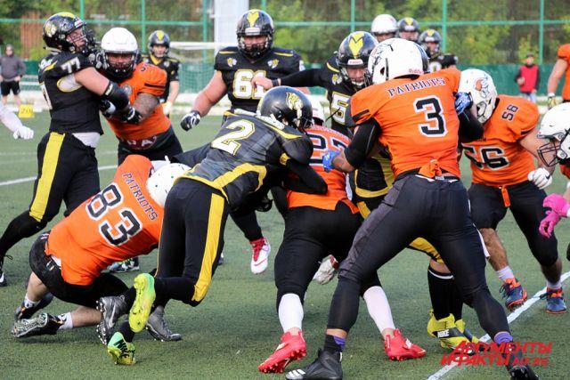 За выход в финал чемпионата пермские «Стальные Тигры» боролись с многократным чемпионом России «Московскими Патриотами» из столицы.