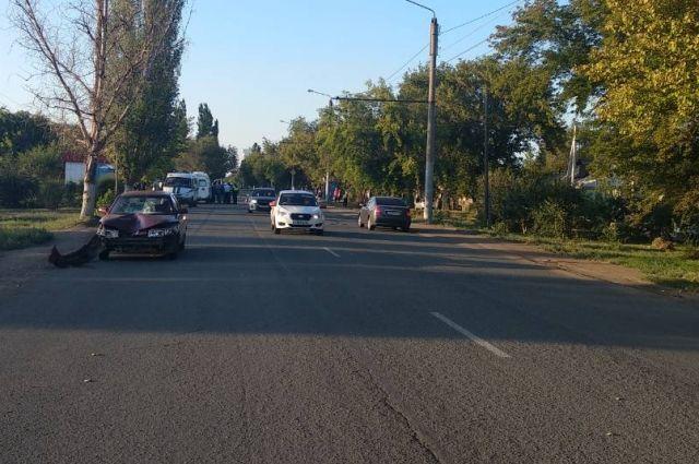 В Оренбурге, в районе дома 111 по улице Илекская водитель автомобиля «ВАЗ-2110» сбил двух пешеходов