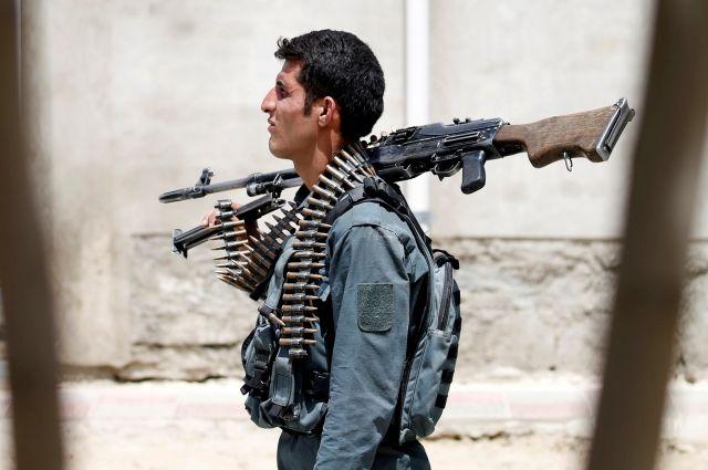 Власти Афганистана объявили оперемирии вборьбе сталибами
