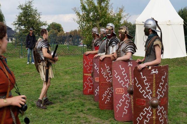 Тюменцы участвуют в фестивале исторической реконструкции в Троицке