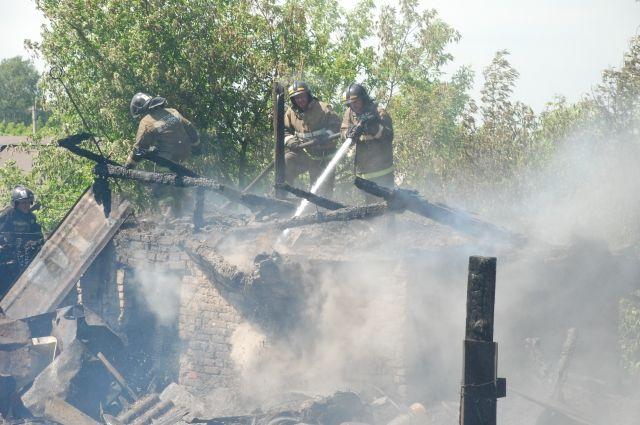 Пожар произошел в районе остановки «Мебельная фабрика».