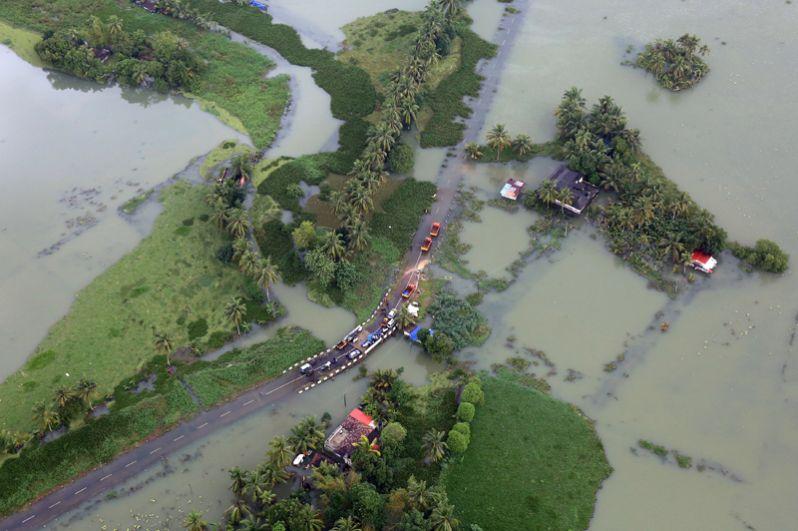 Затопленные районы в штате Керала, вид с воздуха.