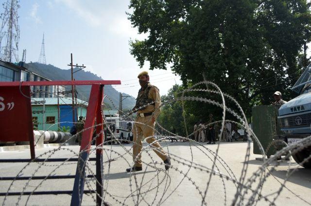 Премьер Индии призвал новое правительство Пакистана начать диалог