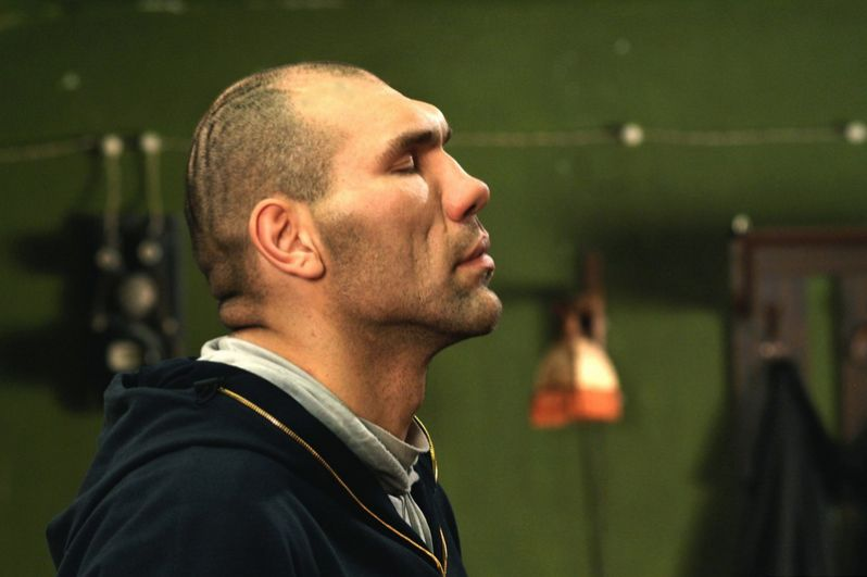 Николай Валуев в фильме «Каменная башка», 2009 год.
