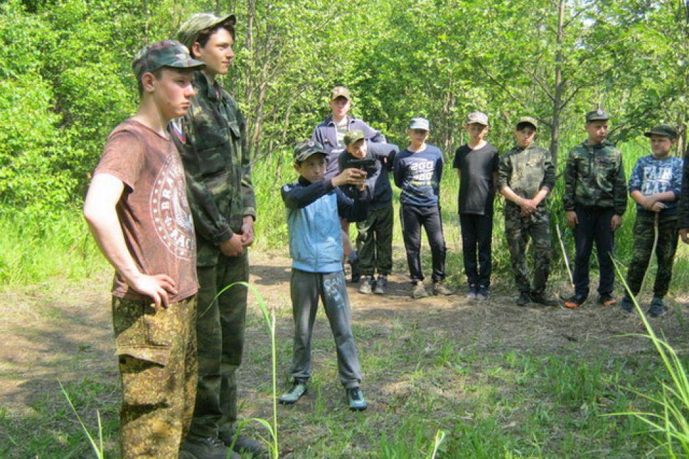 Зачётное учение по стрельбе по мишени из пневматического оружия.