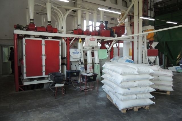 На современной мельнице можно в сутки смолоть до 60 тонн зерна.