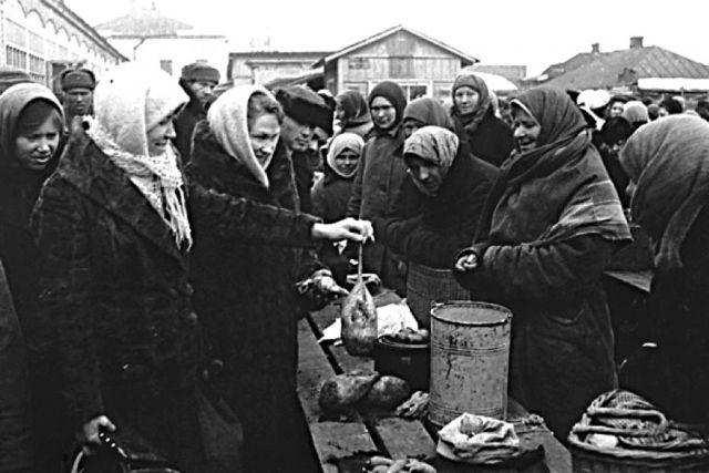 Жизнь в городе начала восстанавливаться после 9 февраля 1943 года.