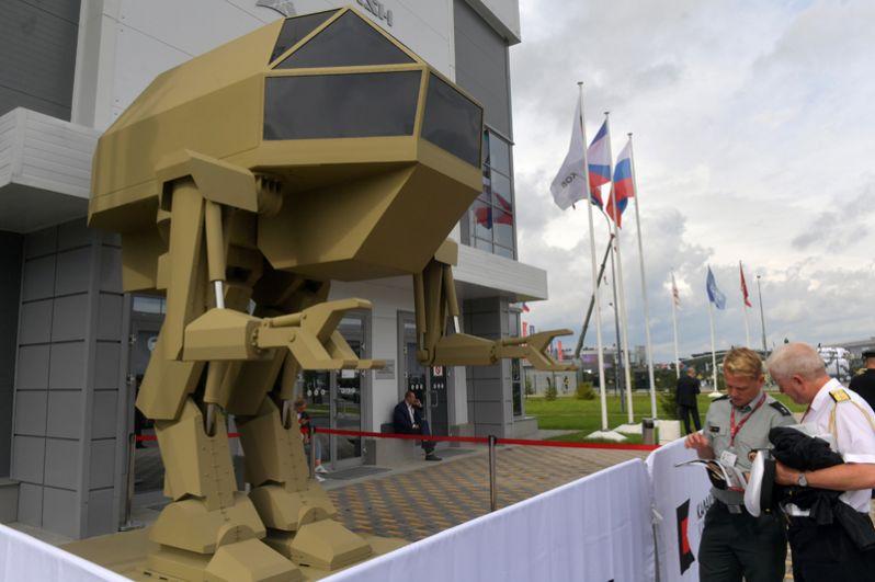 Управляемый прямоходящий робот с рабочим названием «Игорек» весом 4,5 тонны, разработанный концерном «Калашников».
