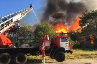 В Ноябрьске дознаватели ищут свидетелей пожара в двухэтажке на Мира