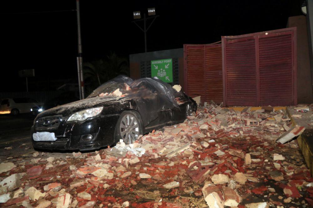 Разрушения после землетрясения в Порт-оф-Спейне, Тринидад и Тобаго.