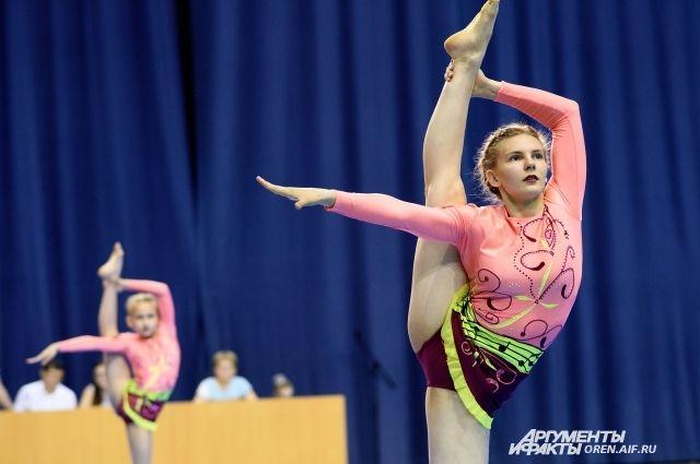 Акробаты гимнастки фото, порно видео россия просмотр