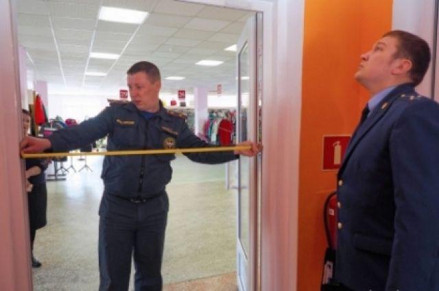 Инспекторы по пожарному надзору выписали 242 штрафа предпринимателям.