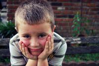 Если ребёнок плохо учится в школе, ещё не значит, что он просто ленив. Возможно, ему нужно больше внимания, чем сверстникам.