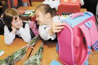 Выбор цвета и дизайна рюкзака лучше доверить самому школьнику.