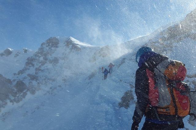 ВСеверной Осетии умер  спасатель, занимавшийся эвакуацией тел альпинистов— МЧС