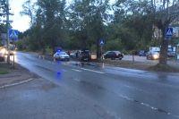 23-летний водитель автомобиля «Лада Гранта» при совершении обгона сбил 53-летнюю женщину и 14-летнюю школьницу, которые переходили проезжую часть по нерегулируемому пешеходному переходу.