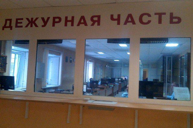 Сотрудник ГИБДД сообщил о поступившем ему предложении в дежурную часть и руководству.