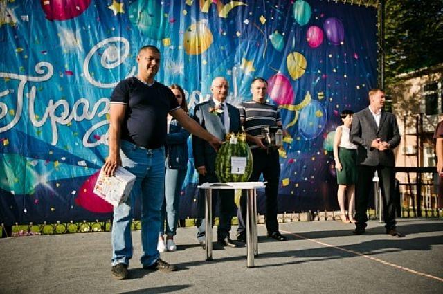 «Царь арбузов»: в Соль-Илецкце проходит фестиваль бахчевых культур.