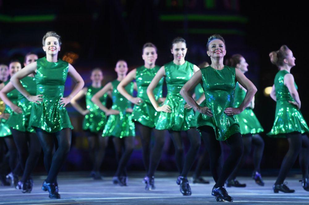 Участники Международной команды ирландских танцев.