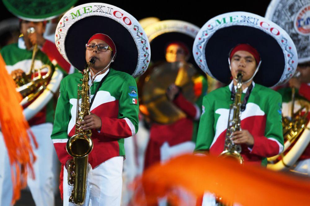 Творческий коллектив «Банда Монументаль» (Мексика)